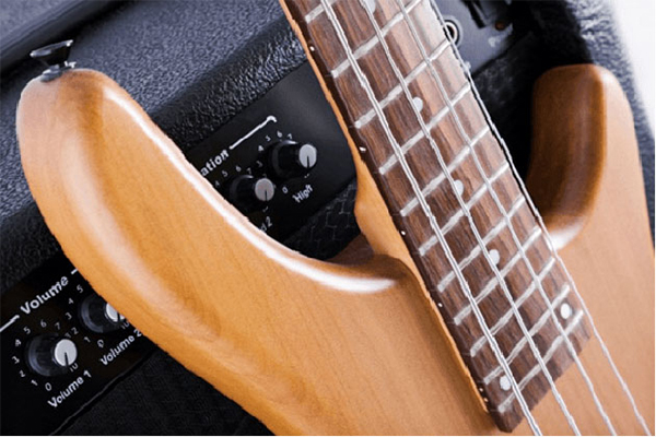 ampli bass roland